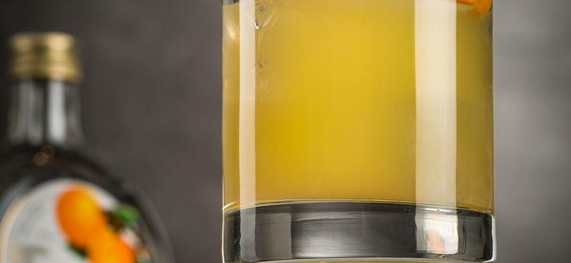 bailoni-cocktail-apricot-sour